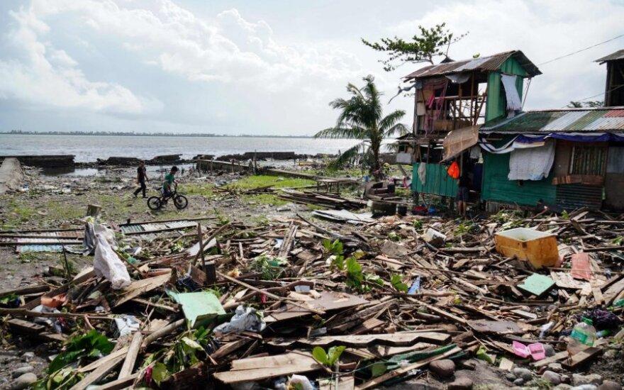 """Filipinus per Kalėdas nusiaubė taifūnas """"Phanfone"""""""