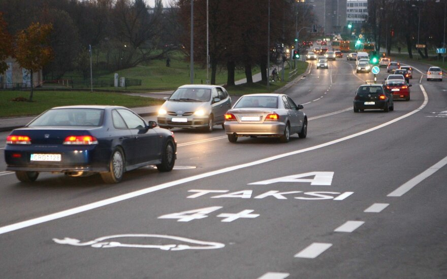 Cameras to stop Vilnius drivers using new public transport lanes