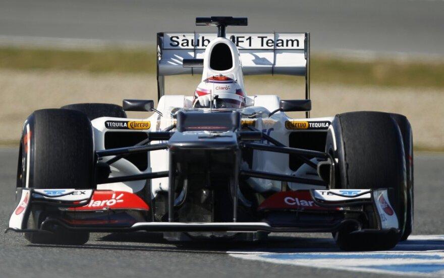 """Kamui Kobayashi su """"Sauber"""" automobiliu"""