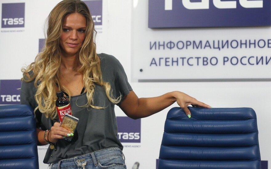 Rusijos plaukikė J. Jefimova nedalyvaus pasaulio čempionate