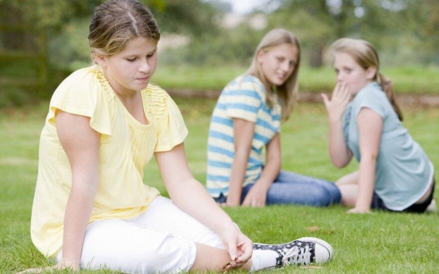 Mergaitei stovykloje nesisekė susirasti draugų, tačiau išgirsti tokio vadovės patarimo irgi nesitikėjo