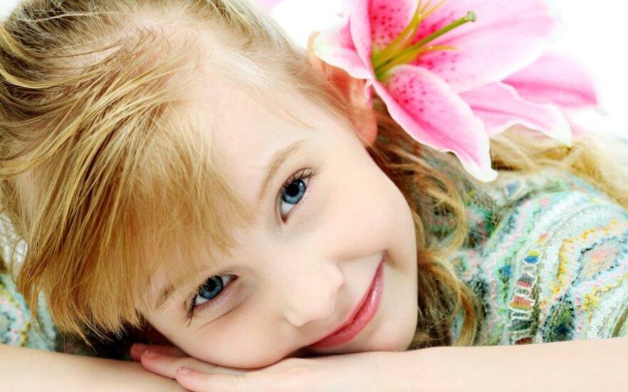 Kaip tėvams elgtis šeimoje, kad vaikas neužaugtų bejėgis ir traumuotas?
