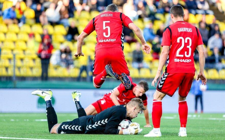 Lietuvos futbolo rinktinės žaidėjai apgailestavo, kad gerai žaisdami neišnaudojo progų