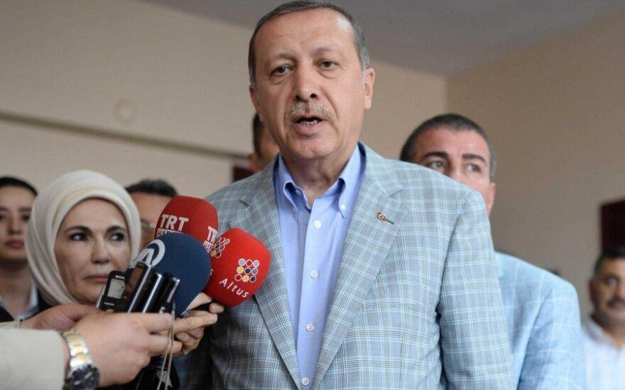 R. Erdogano pergalė: nuo citrinų pardavėjo iki Turkijos prezidento posto