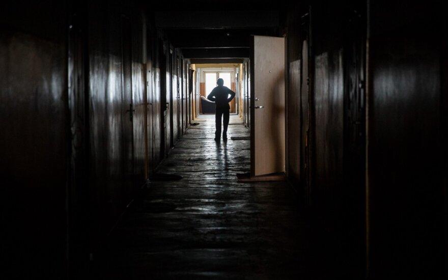 Realybė, kuri šokiruoja: auklėtojai nekalti, kad vaikų centre tvirkino ir filmavo paauglius