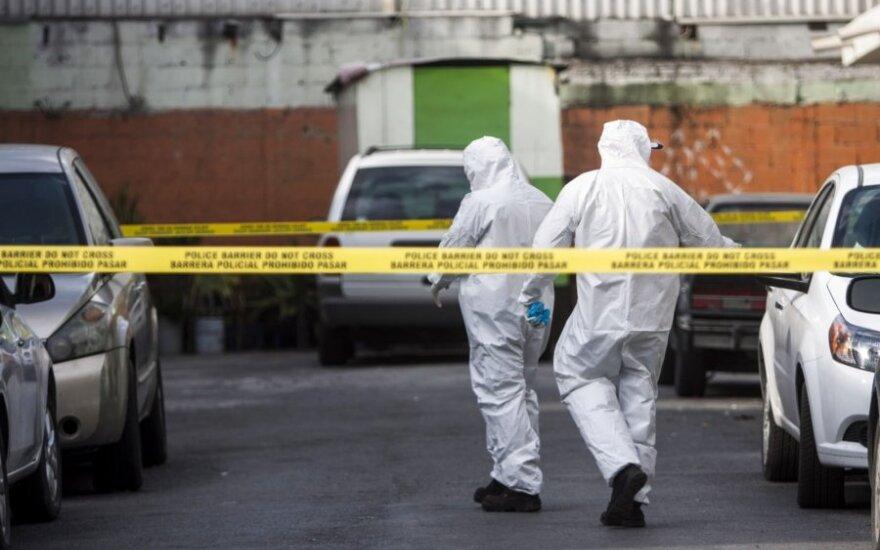 Meksikos policija tiria nusikaltimo vietą