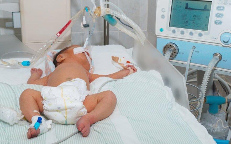 Vaikas ligoninėje.