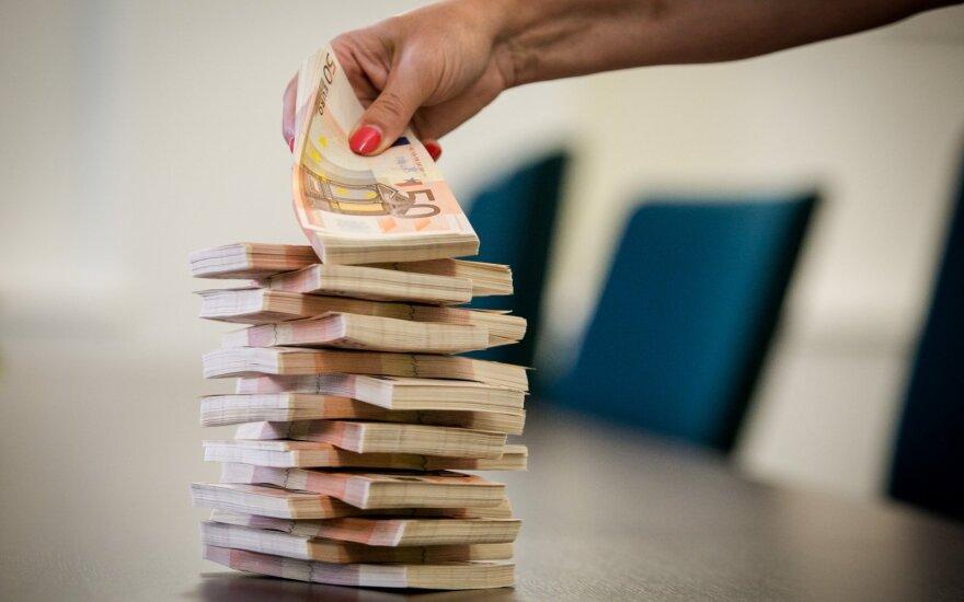 Darbuotojams skirtuose fonduose laikoma 140 mln. eurų: ar jų užtektų pasikartojus krizei