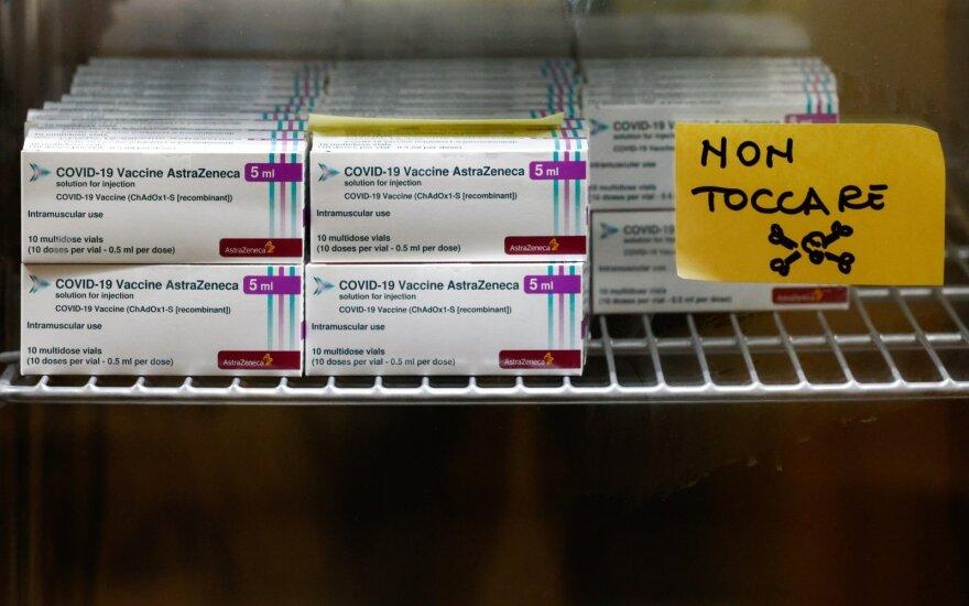 """Italija pirmą kartą pasinaudojo naująja ES tvarka dėl """"AstraZeneca"""" vakcinų"""