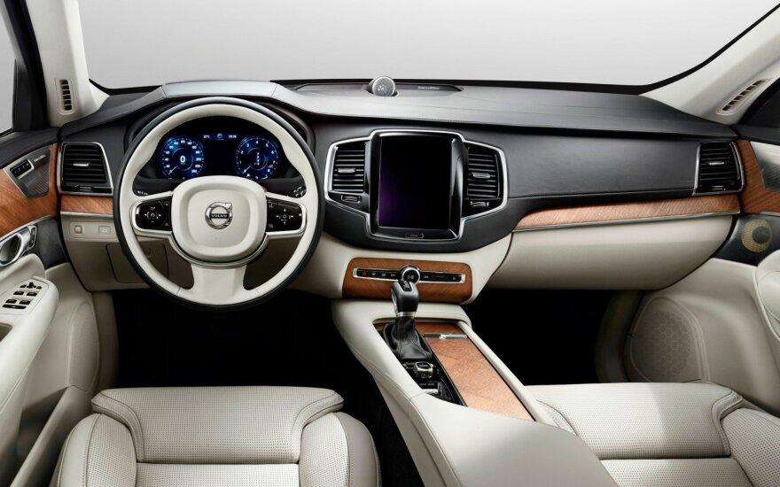 """""""Volvo V90"""" interjeras"""