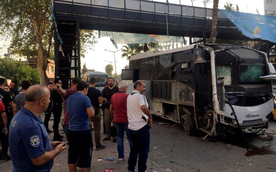 Turkijos pietuose sprogus bombai sužeisti penki žmonės