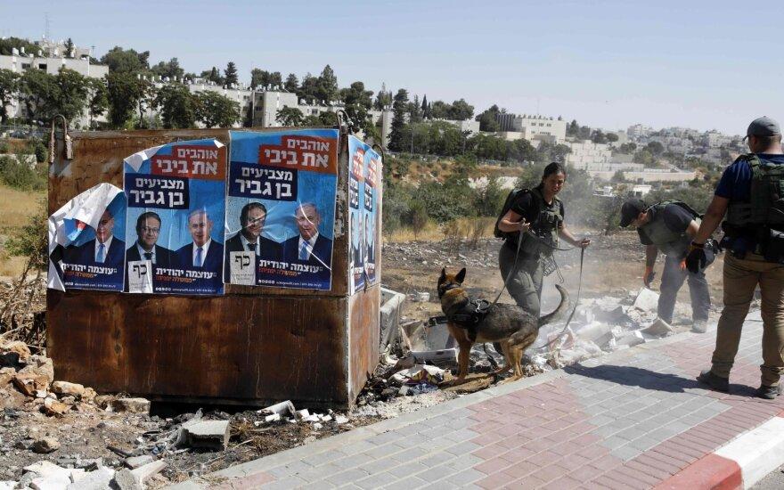 Kontrolės poste netoli Jeruzalės nušauta peiliu mosavusi palestinietė