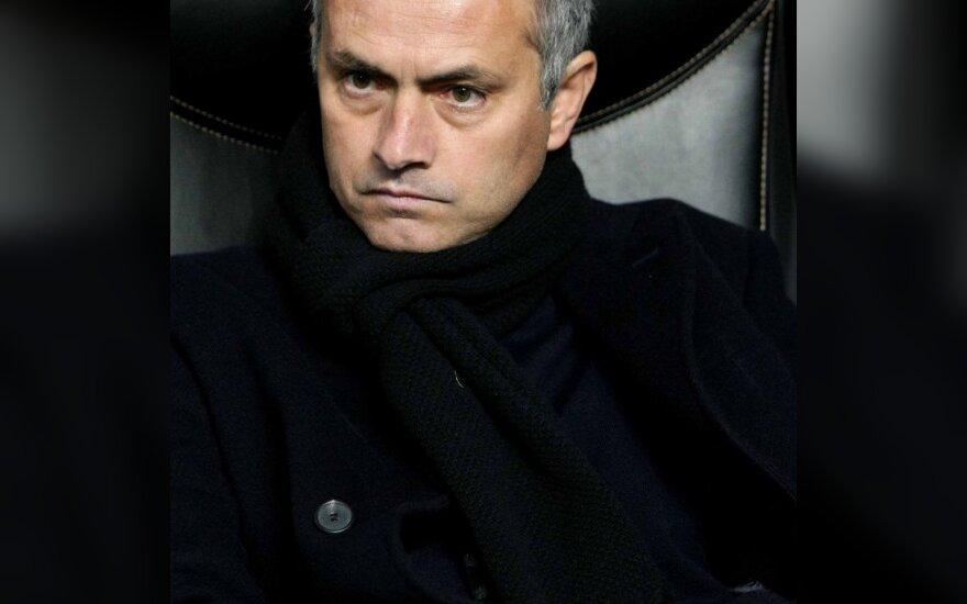J.Mourinho skirta 10 tūkst. eurų bauda