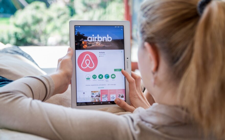 """Paryžiaus merė pagrasino rekordine bauda """"Airbnb"""""""
