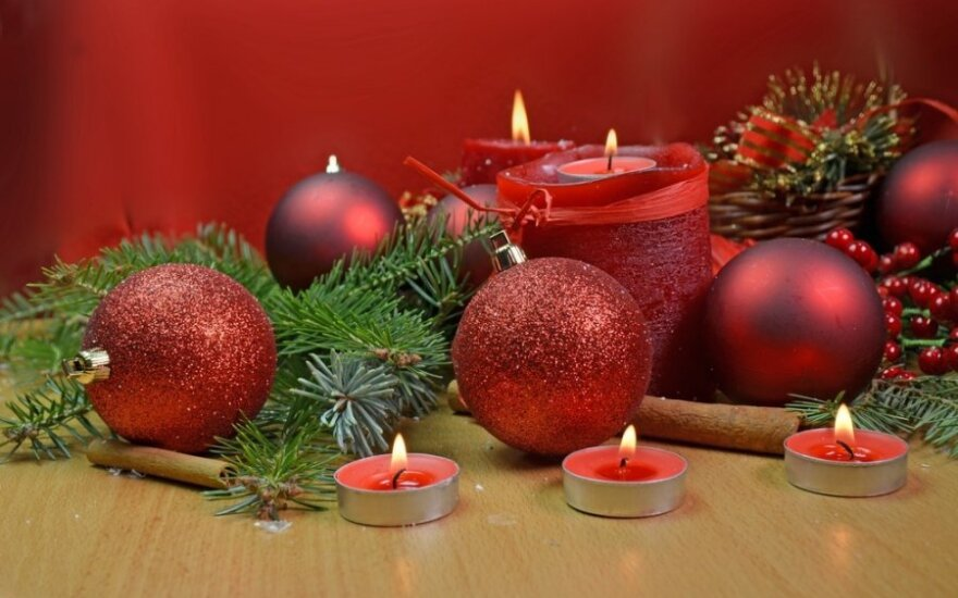 Idėjos, kaip papuošti namus Kalėdoms
