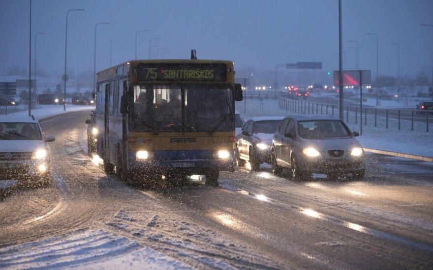 Eismo sąlygas rytų Lietuvoje sunkina plikledis