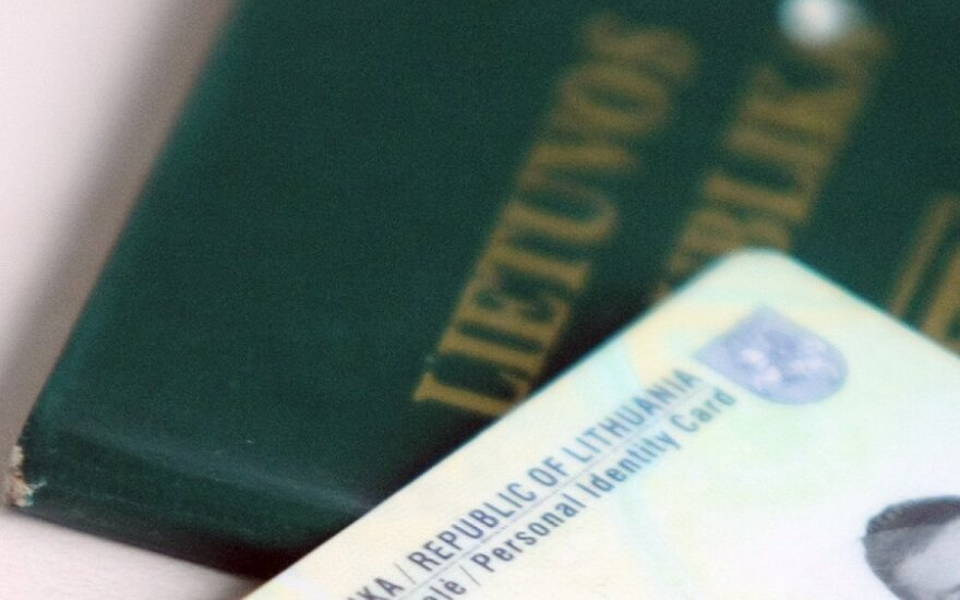 Lithuanian parliament lawyers criticize president's dual citizenship amendments