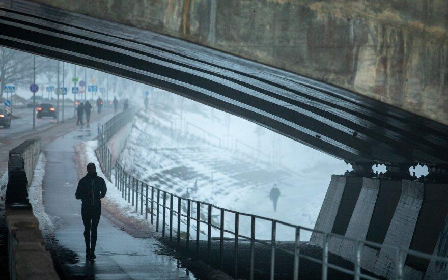 Rytojaus diena parodys, kokie toliau laukia orai: prognozuoja, kokia bus žiema