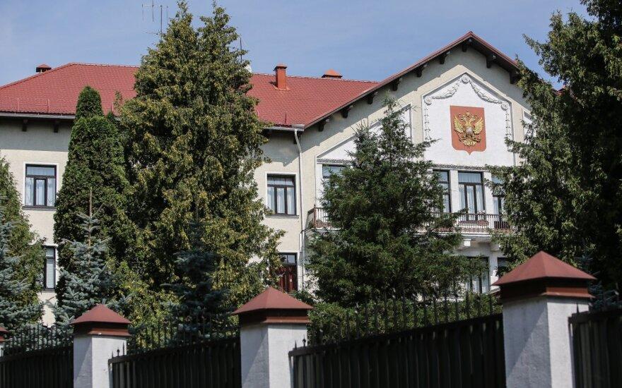 Specialistai mano, kad vien rusų diplomatų išsiuntimo nepakaks