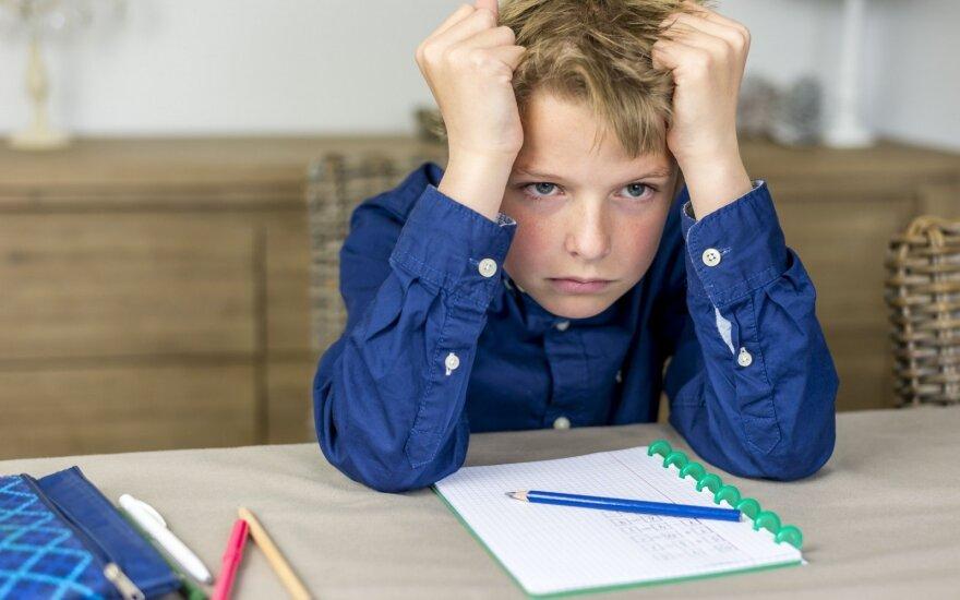 Vaikas nuolat yra išsiblaškęs ir pameta savo daiktus? Psichologė patarė, kaip viską sustatyti į savo vietas