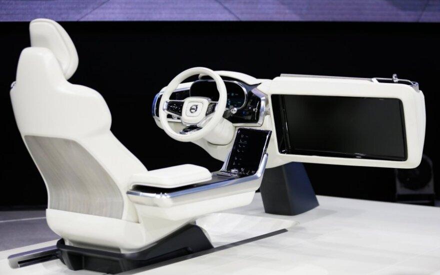 """Koncepcinis """"Volvo"""" automobilių interjeras"""