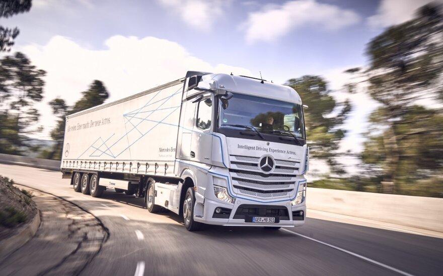"""""""Mercedes-Benz Actros"""" pripažintas """"Metų sunkvežimiu 2020"""""""