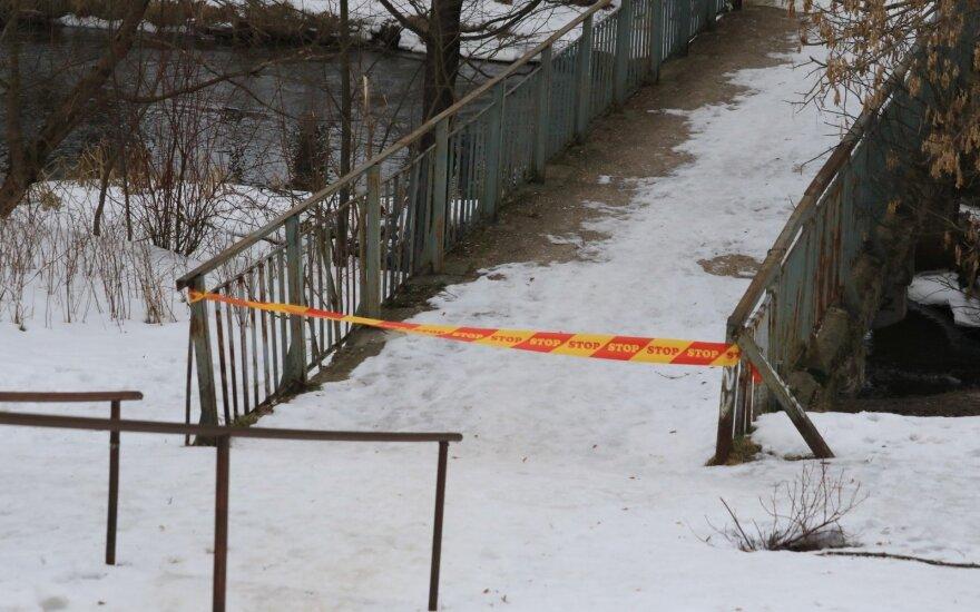 Upėje rasta 17-metė pažinojo įtariamuosius: draugai nereagavo į nerimą keliančius ženklus