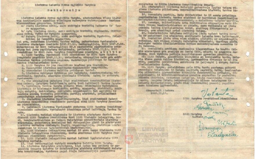 Prieš Vasario 16-ąją – istorinis radinys: į archyvą grįžo svarbios partizanų deklaracijos egzempliorius