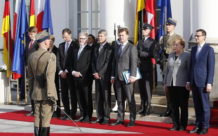 Mateuszas Morawieckis priima Angelą Merkel