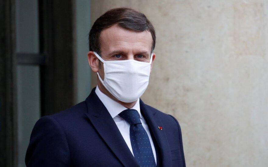 Macronas: Britanija privalo apsispręsti dėl politinių ryšių su ES