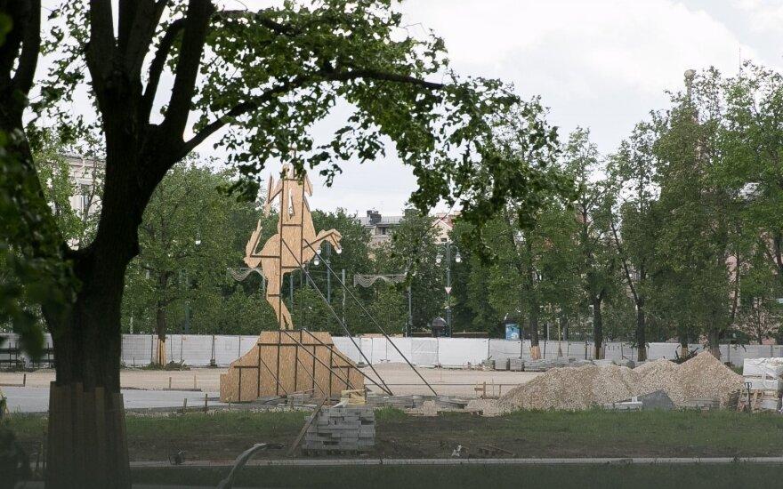 L. N. Rasimas. Pilietinė visuomenė apsisprendė dėl paminklo Lukiškių aikštėje