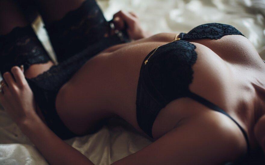 Moterys atvirai papasakojo apie keisčiausias sekso patirtis