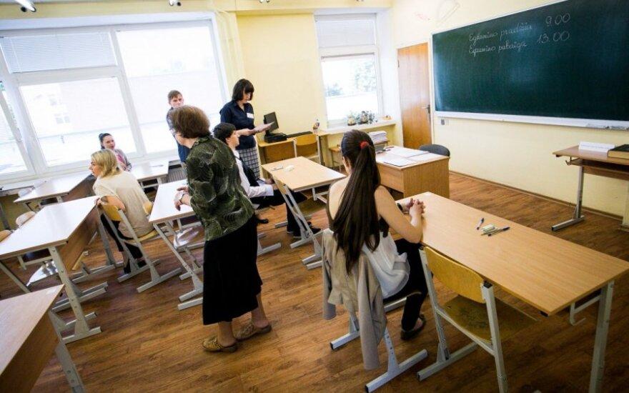 Papasakok! Melas, kad mokytojai mažai uždirba?