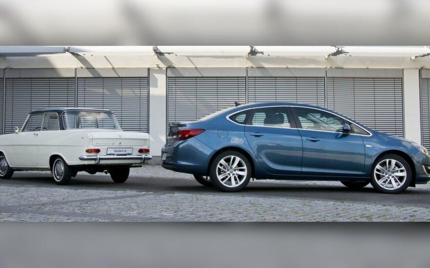 Opel sedanai