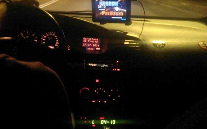 Pašiurpino įžūlūs taksistai pajūryje: plešia didžiulius pinigus ir laksto 80 km/h