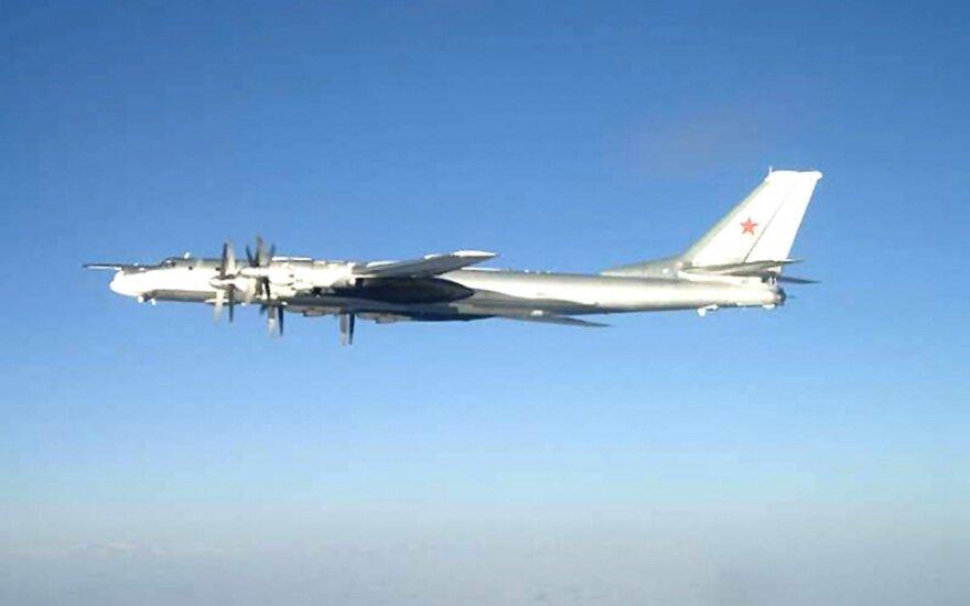 JAV naikintuvai prie Aliaskos perėmė du Rusijos bombonešius
