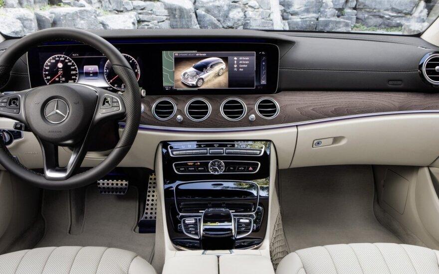 """Šveicarijoje vogtu naujutėlaičiu """"Mercedes"""" rusas sugebėjo pasiekti Lietuvą"""