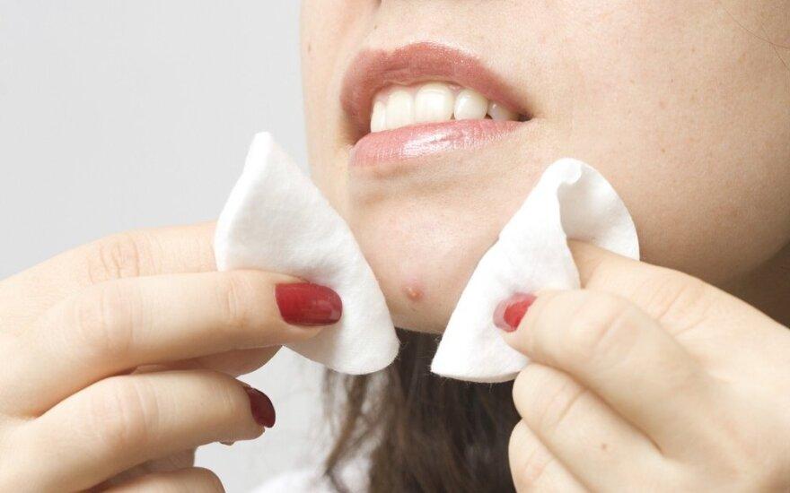 Veido odos priežiūra: ko jokiu būdu negalima daryti