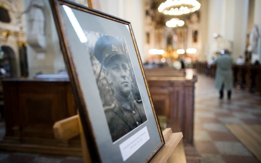 Vilnius holds funeral for Lithuanian partisan commander Ramanauskas-Vanagas (Updated)
