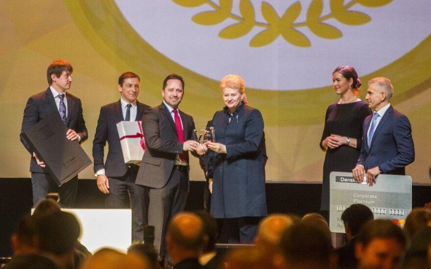 """D. Grybauskaitė apdovanojo 2015 metų """"Lietuvos gazelę"""""""
