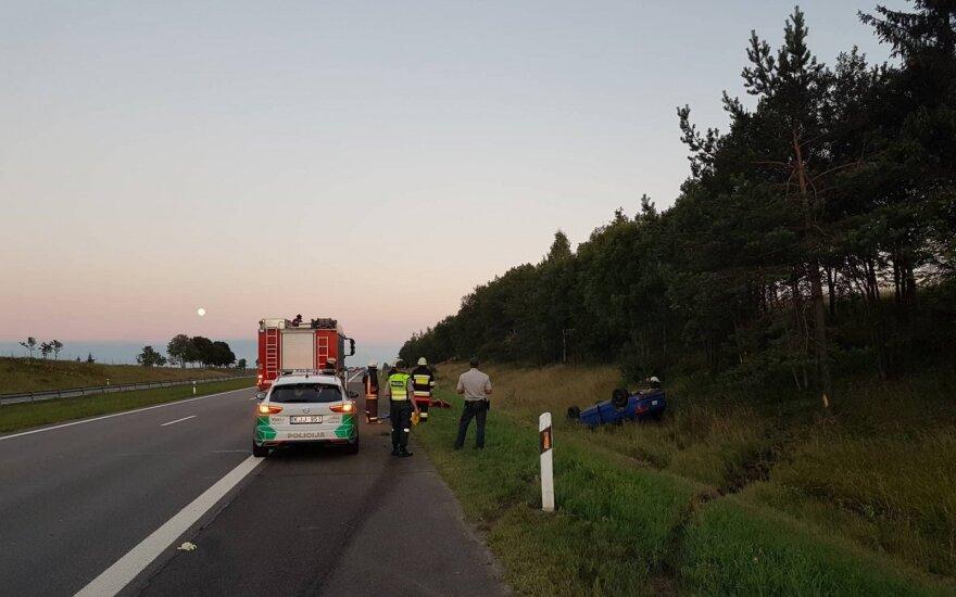 Didelė avarija A2 kelyje: pranešama apie sužalotus ir prispaustus žmones