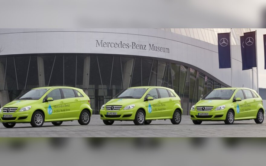 Mercedes-Benz F-CELL paruošti kelionei aplink pasaulį