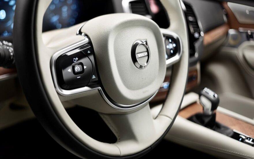 """""""Volvo"""" atskleidžia daugiau naujo flagmano XC90 detalių"""