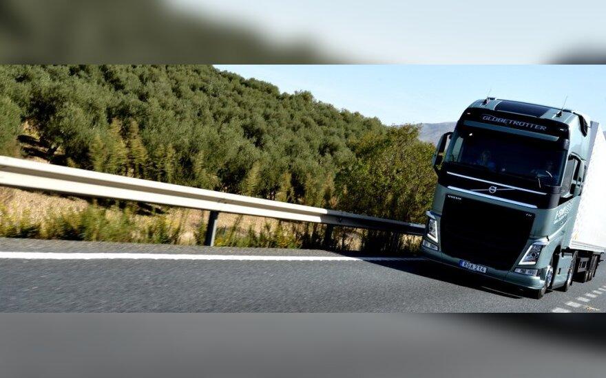 Dviguba sankaba Volvo sunkvežimiuose