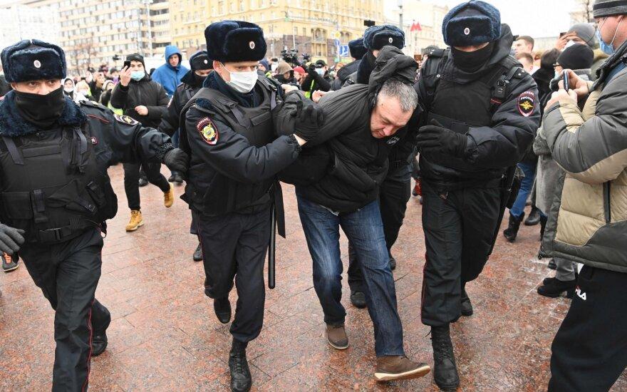 Rusijoje prasidėjus protestams sulaikyta kelios dešimtys Navalno šalininkų