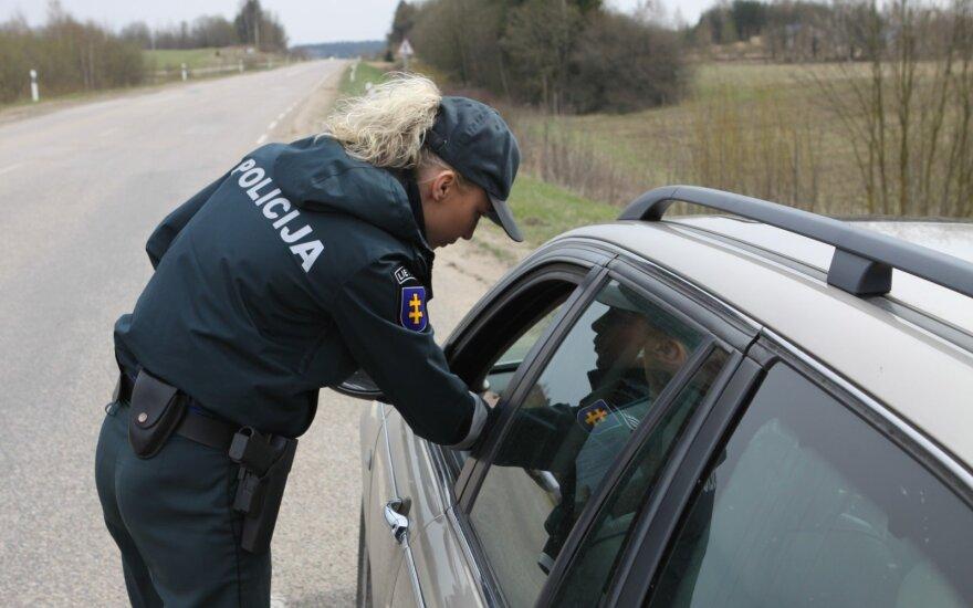 Policijos pareigūnai perspėjo – šiandien laukia išskirtiniai reidai