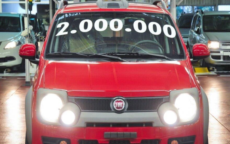 """Lenkai pagamino jau 2 mln. """"Fiat Panda"""" automobilių"""