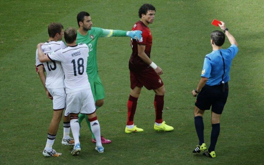 Gali atsipūsti: portugalas Pepe diskvalifikuotas tik vienam mačui