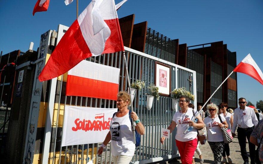 Lenkija paminėjo komunistinio bloko byrėjimą paskatinusių rinkimų 30-metį