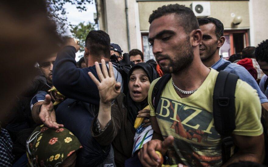 Vengrija nori pasaulinių pabėgėlių kvotų
